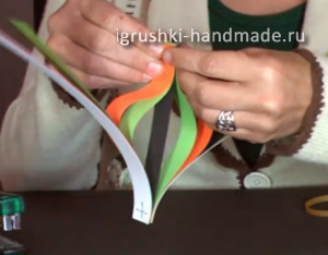 как сделать новогодние игрушки на елку из бумаги