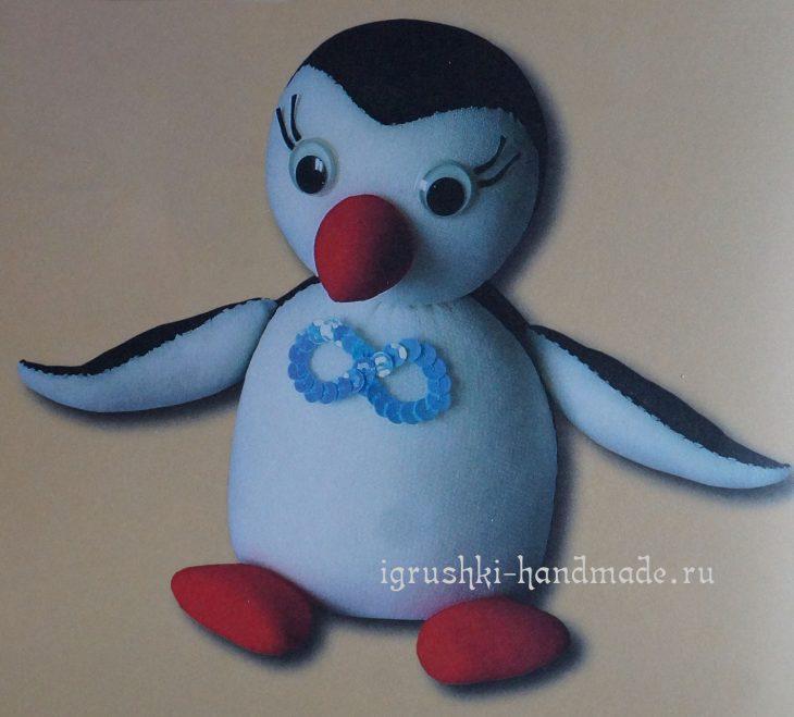 Мягкая игрушка Пингвин из колготок своими руками
