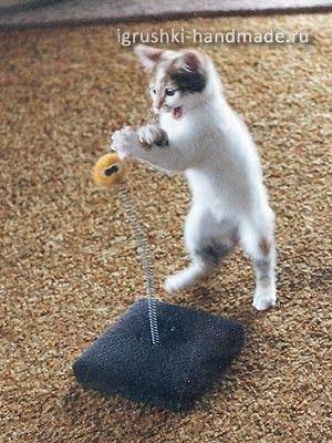 Как сделать для кошки игрушку своими руками