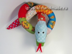 как сделать игрушку змею своими руками