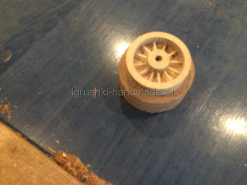 Как сделать машинку из дерева фото 566