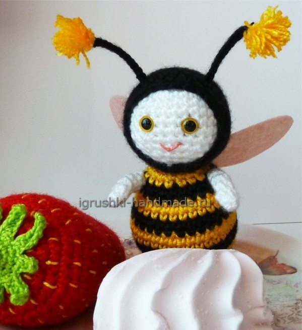 Пчёлка крючком