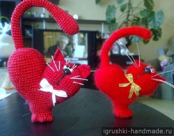 """Игрушка """"Сердечный кот"""" крючком"""